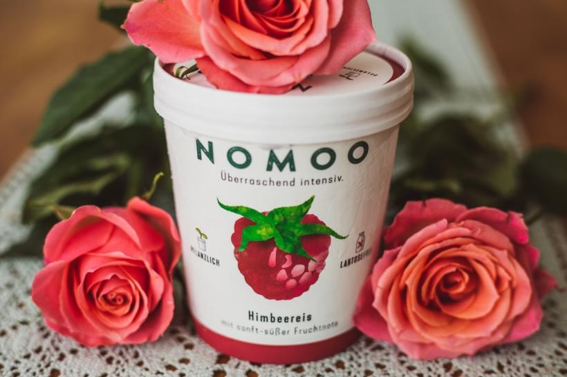 Nomoo-Fb-1